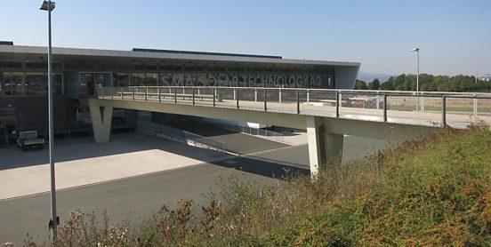 SMA | Zugangsbrücke